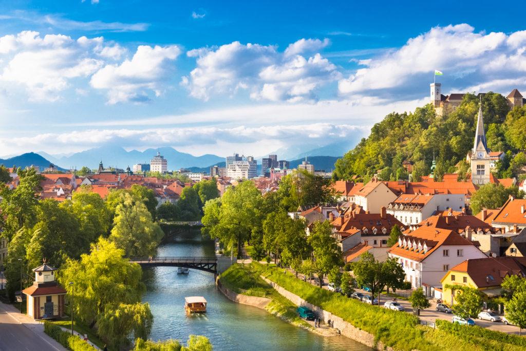 عاصمة سلوفينيا بالعربي
